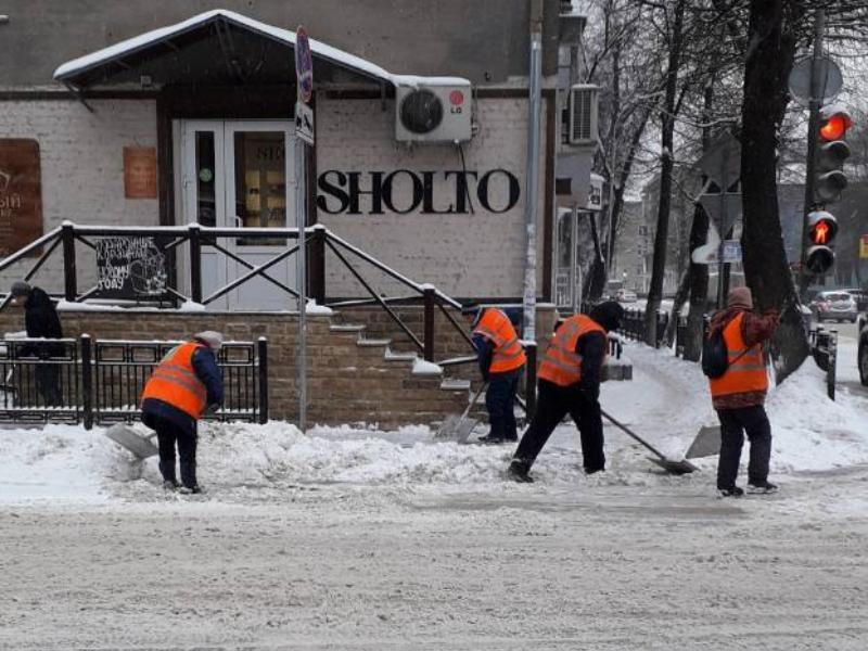 В круглосуточной уборке снега усомнились жители Воронежа