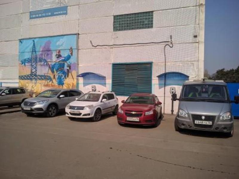 Превосходство над электромобилями сняли у станций зарядки в Воронеже