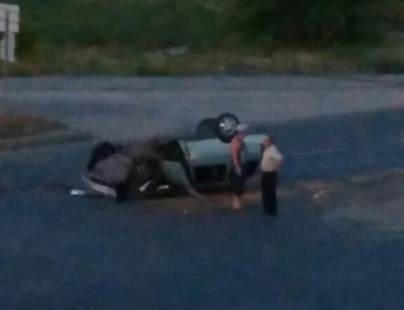 В Коминтерновском районе Воронежа иномарка влетела в поливочный грузовик