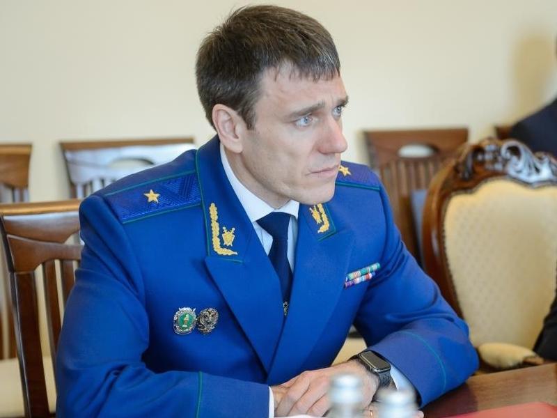Кого губернатор Гусев взял на знакомство с новым прокурором области