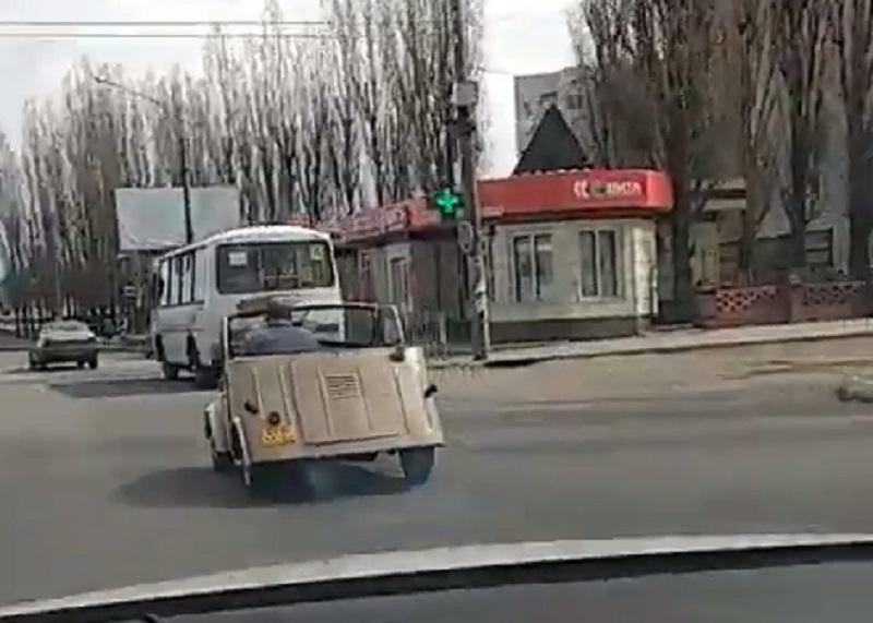 Кабриолет для бедных мажоров сняли на дороге в Воронеже
