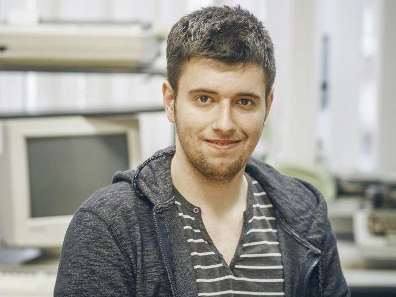 Воронежец научился делать гаджеты из табуреток и столов