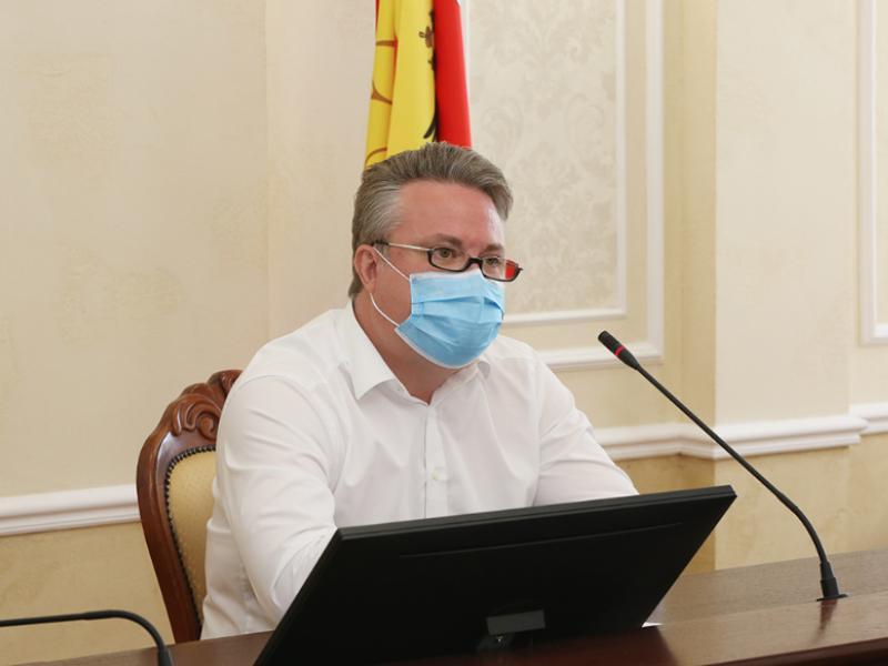 Мэр Воронежа заявил, что отказ некоторых школ от участия в общегородском выпускном не сделает его хуже