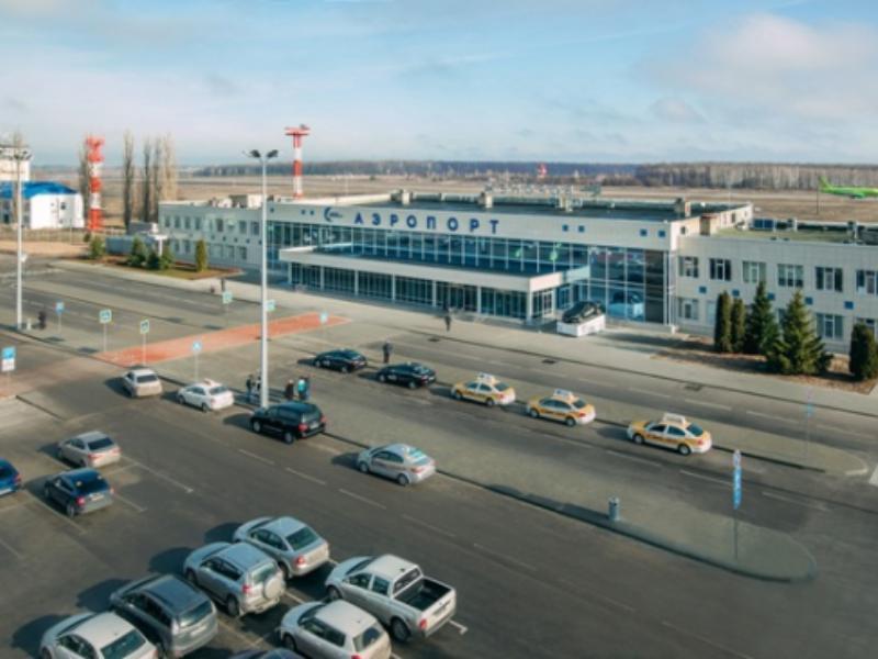 Самолет совершил вынужденную посадку в Воронеже из-за пассажира