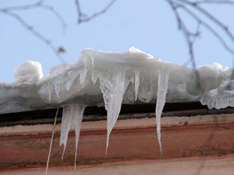 Воронежские УК наказали на 10 млн рублей за нечищеные крыши зимой