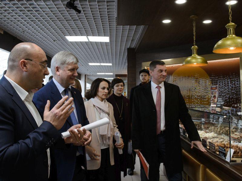 Рынки Воронежа хотят заполонить местными продуктами