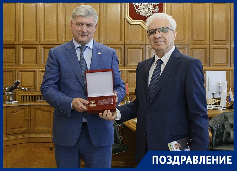 Профессор Кунин получил «Благодарность от земли Воронежской»