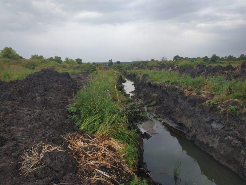 Воронежцы обвинили фермера в уничтожении героического озера в Подклетном