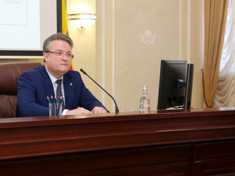 Мэр Кстенин сделал водяной вывод после коммунальной аварии в Воронеже
