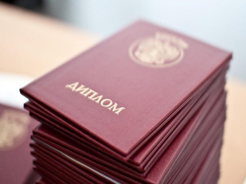 Мужчина пойдет под суд за липовые дипломы воронежских вузов