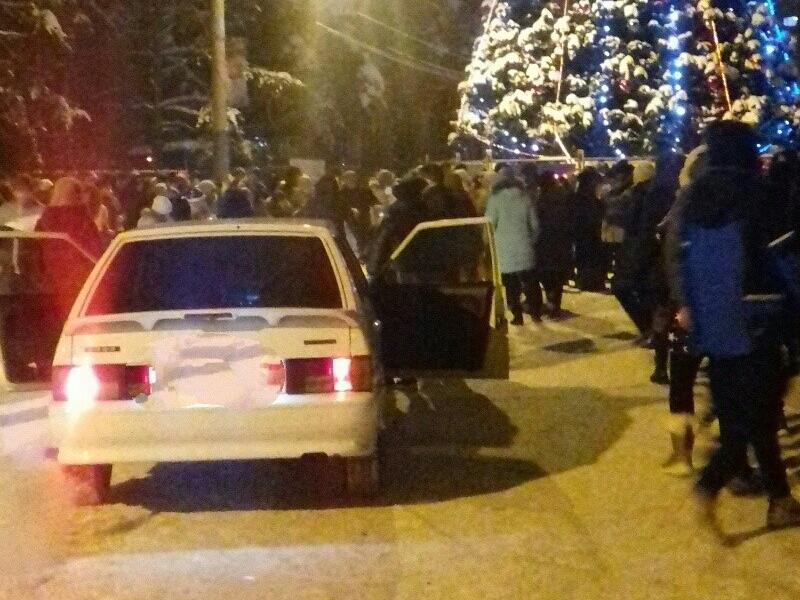 Массовый отрыв под звуки Lada попал на фото в Воронеже
