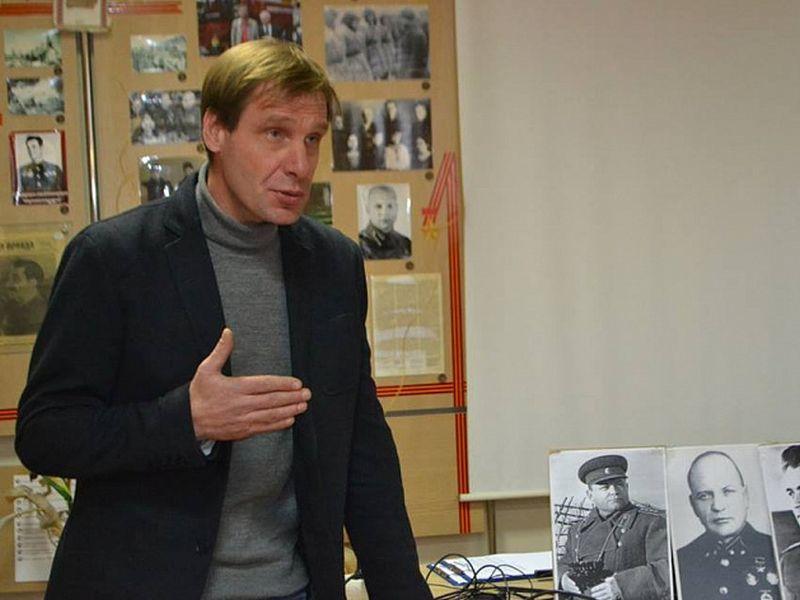 Директор воронежских Костенок уволен в связи с утратой доверия