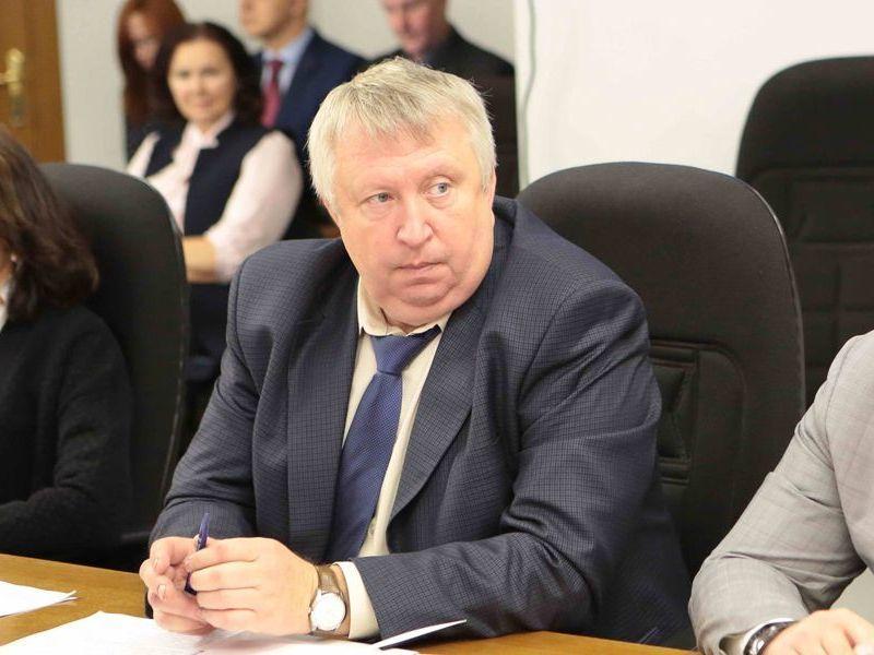 Член «клуба миллионеров» и депутат Юрий Гончаров показал небуржуйский доход