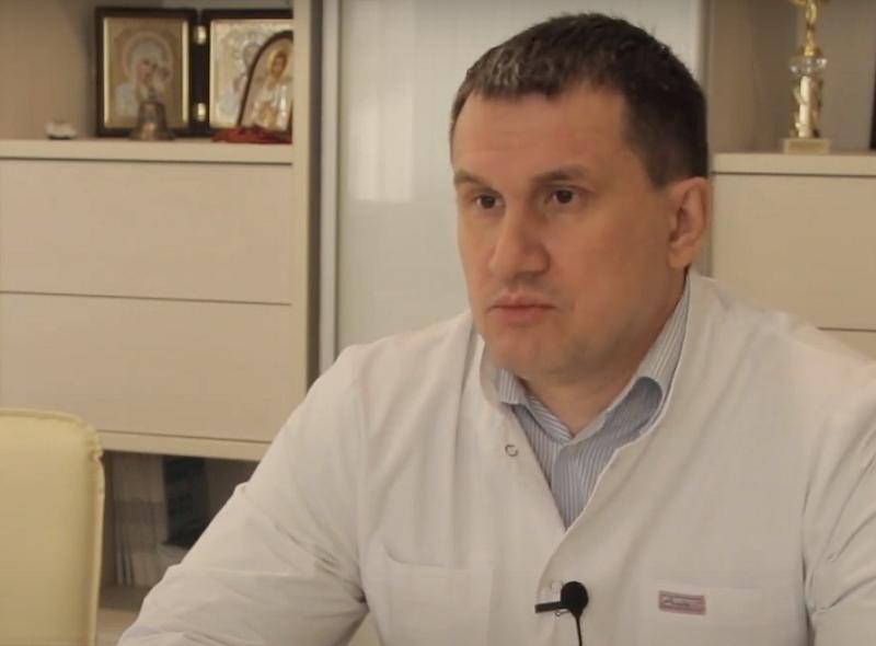 Главврач воронежской больницы одним из первых сделал прививку от COVID-19