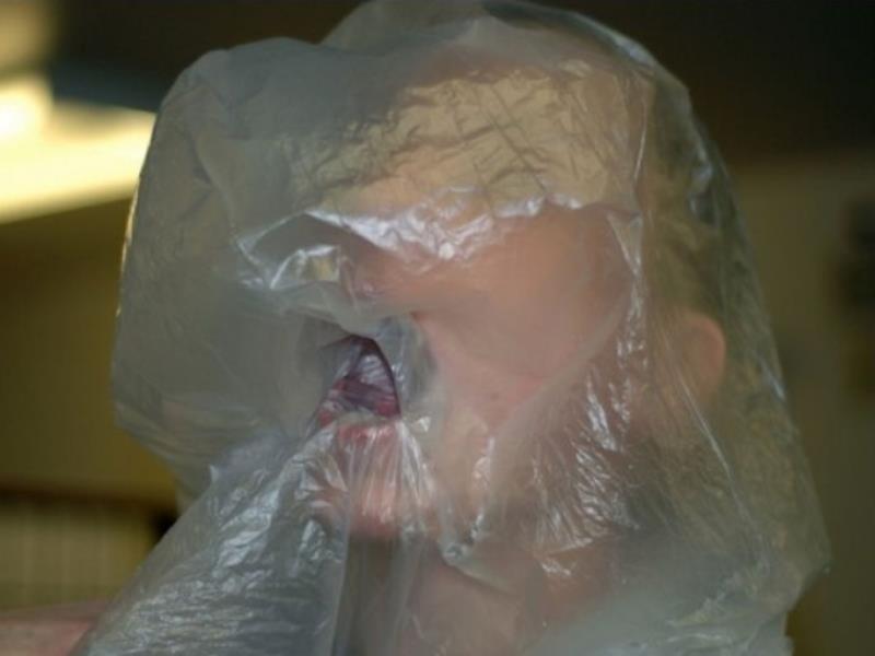 Пытавших пакетом воронежца вымогателей поймали полицейские