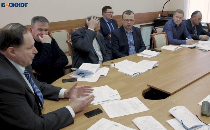 Общественная палата Воронежа боится без одобрения мэра Кстенина обсуждать парковки