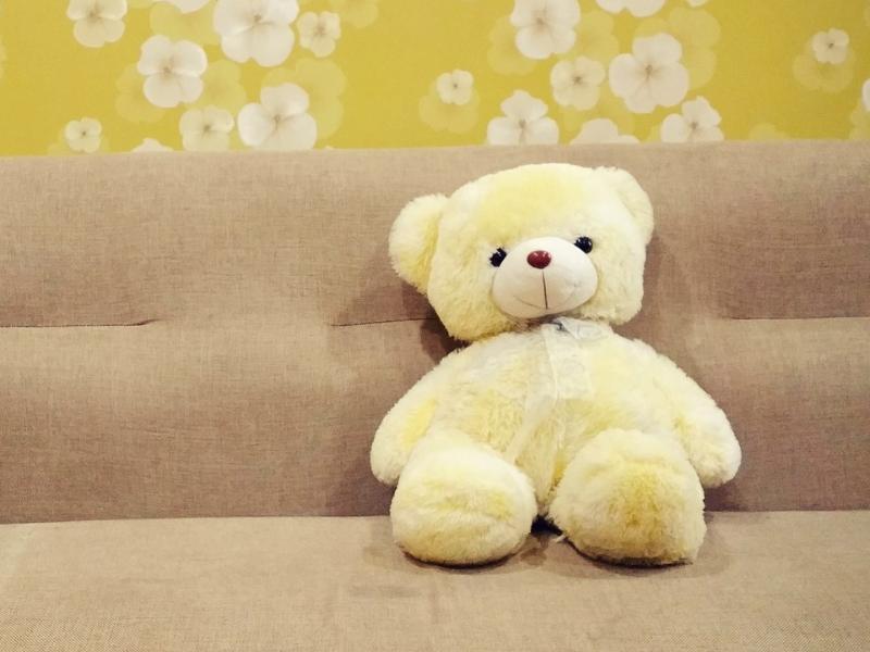 Воронежца лишили 400 тыс рублей за попытку продать диван