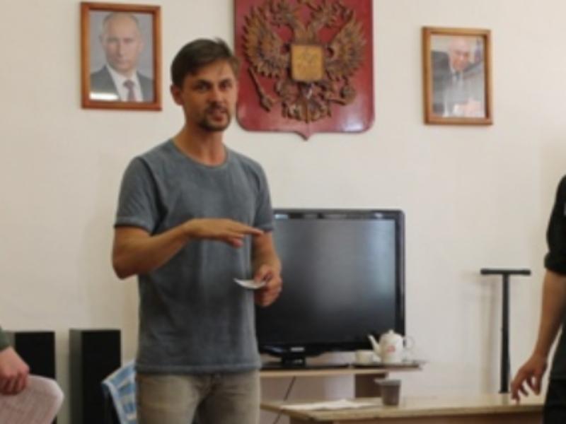 Московский актер научил заключенных играть на сцене в Воронеже