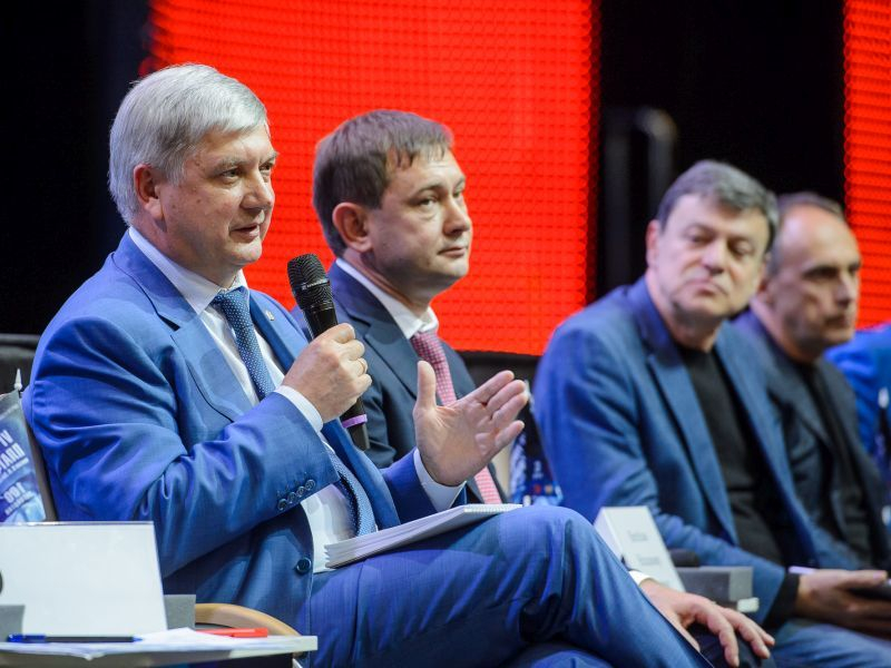 Александр Гусев заявил, кому Воронежская область обязана успехами в экономике