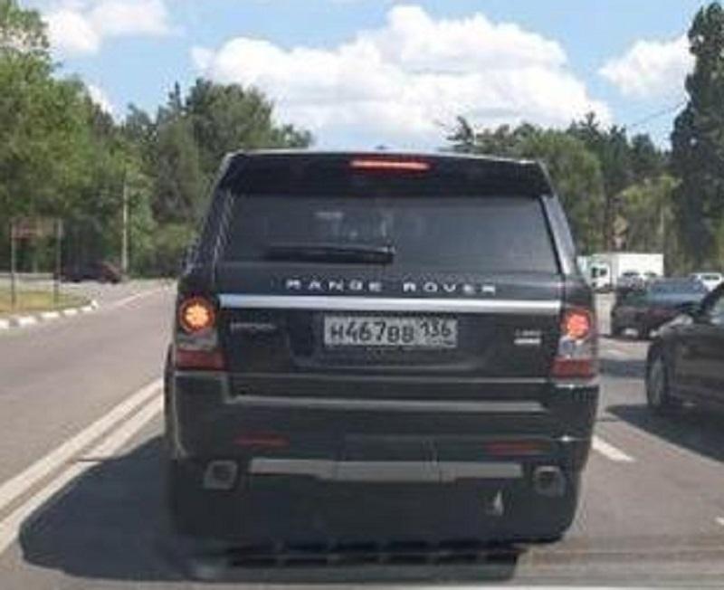Ультра вызывающее вождение Range Rover сняли на видео в Воронеже