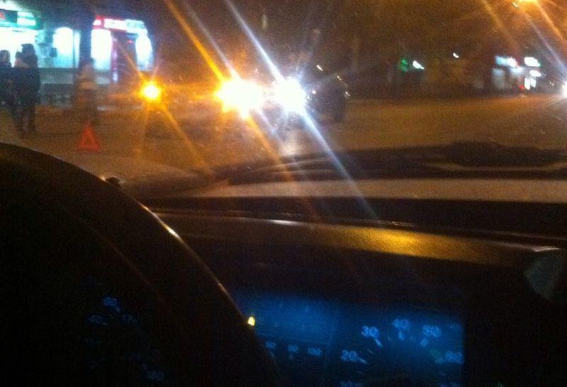 В Воронеже запечатлели последствия наезда автомобиля на алкоголика