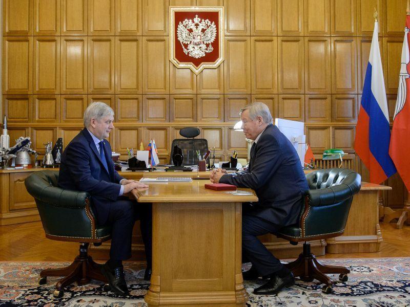 Усидевшего на посту Ивана Аристова особо отметил воронежский губернатор