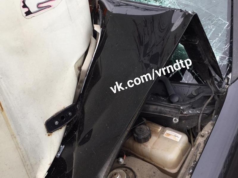 Машрутный ПАЗ жестко занизил «Приору» в Воронеже