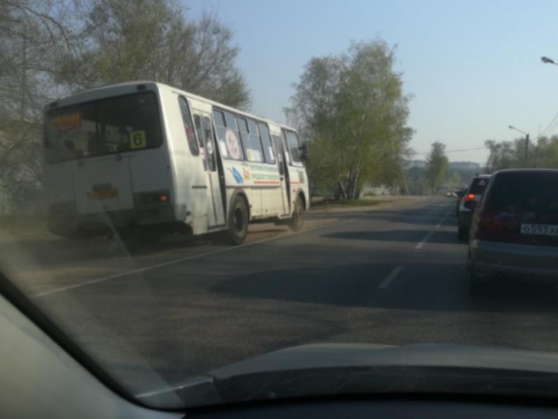 Бесстрашие маршрутчика на «встречке» сняли в Воронеже