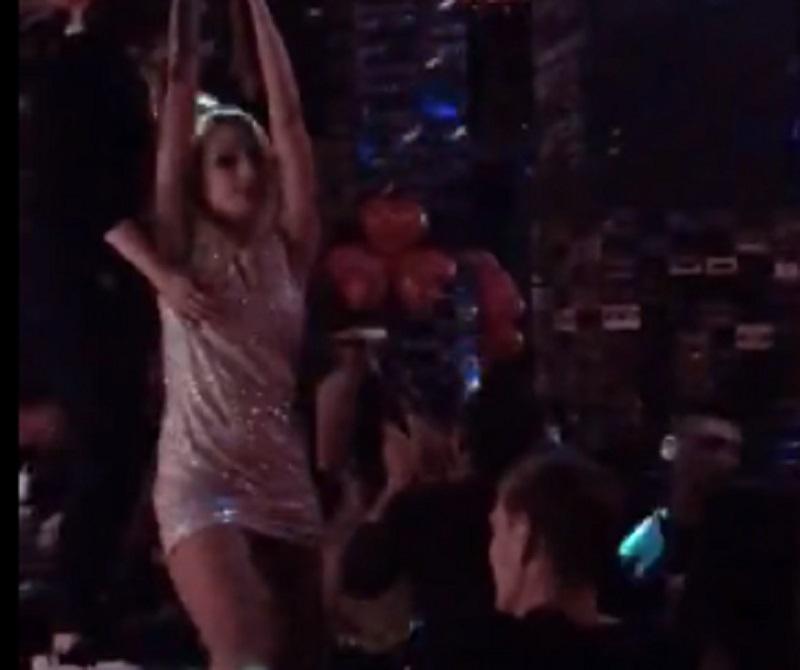 Девушка «изнасиловала» барную стойку в воронежском клубе