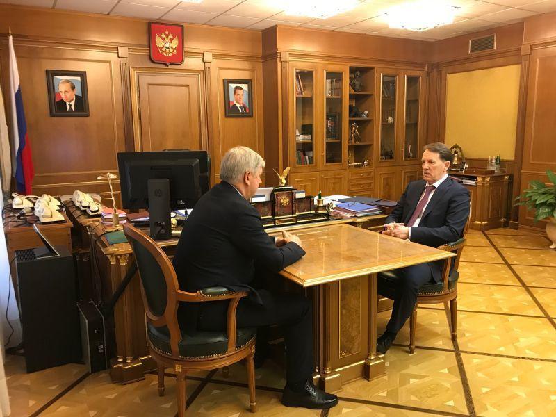 Гусев и Гордеев обсудили региональные проблемы вдалеке от Воронежа