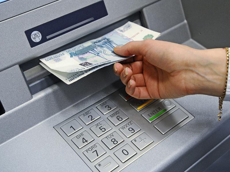 Хитрый трюк с банкоматом обернулся уголовным делом в Воронеже