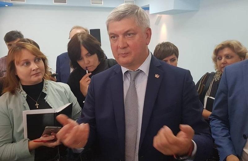 Воронежский губернатор стал героем элегии о премиях и любовницах