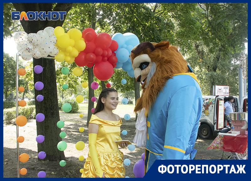 Яркими красками «Любимого Воронежа» расцвел летний город