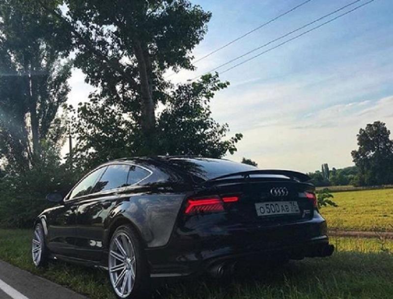 На обочине в Воронеже нашли мощный Audi S7
