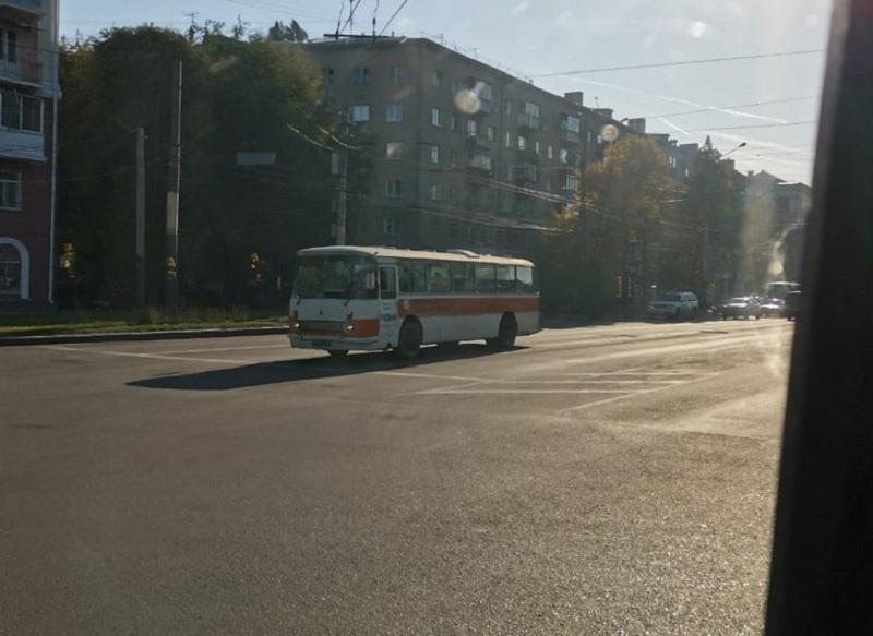 63-летним автобусом рассмешили страну на фоне подорожания проезда в Воронеже