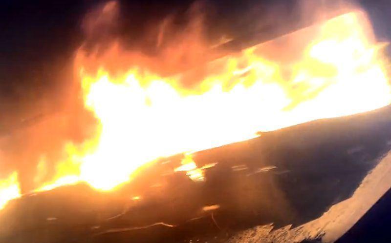 Воронежцы сняли навидео полыхающий маршрутный «ПАЗ»