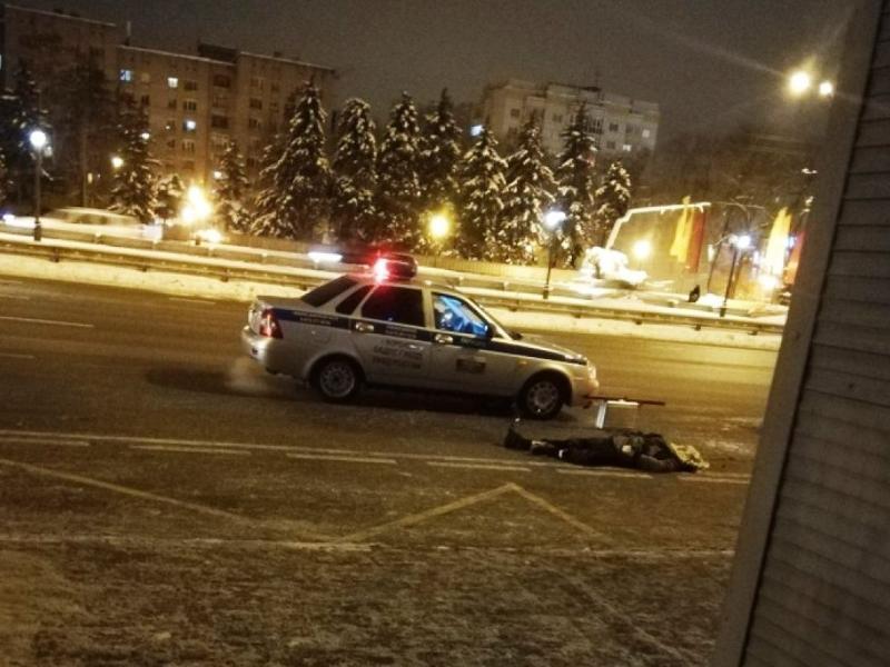 Автобус насмерть сбил мужчину у остановки в Воронеже