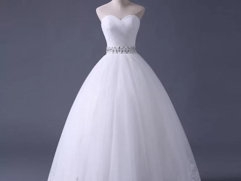 Аналитики назвали среднюю стоимость свадебного платья в Воронеже