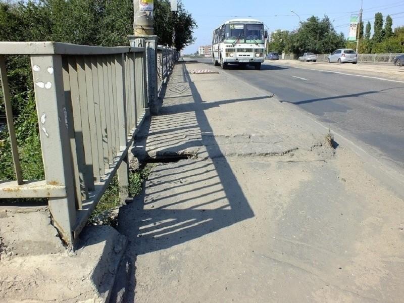 Стало известно, на сколько месяцев перекроют виадук на 9 Января в Воронеже
