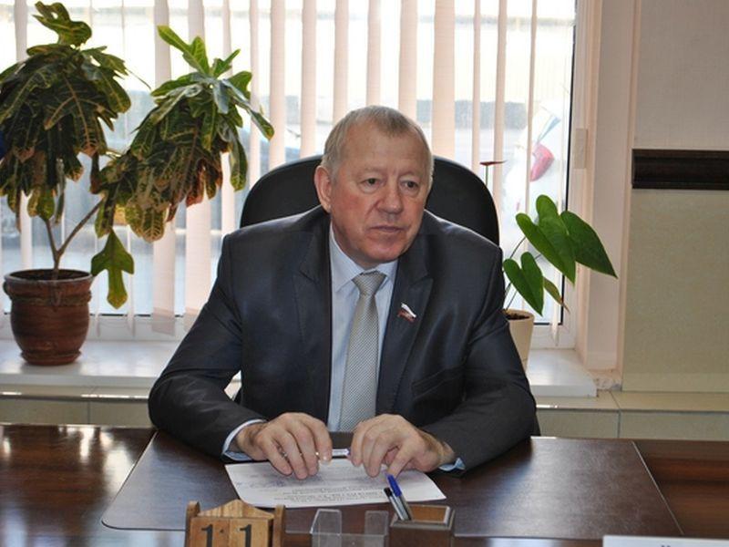 Корифей областной Думы и финансист Николай Колосков беднеет год от года