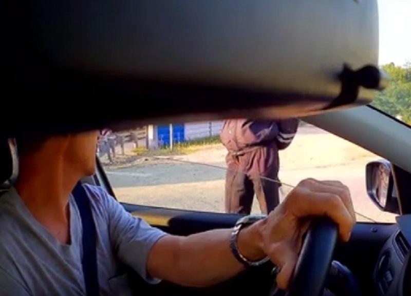 Общение с обидчивым сотрудником ДПС сняли на видео в Воронеже