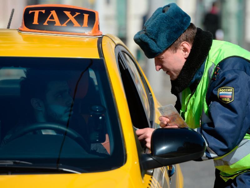 Гаишники устроят облаву на воронежских таксистов