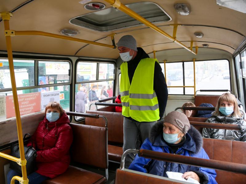 Чиновники заявили, что 99% пассажиров в Воронеже носят маски