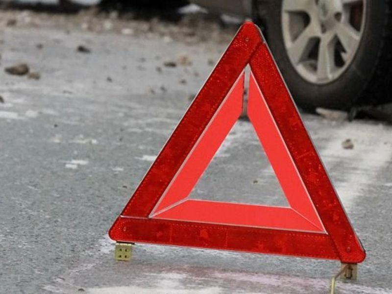 Три человека пострадали в столкновении двух иномарок в Воронеже