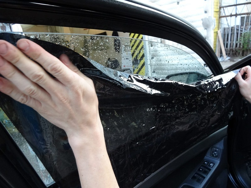 Воронежец попал под арест из-за тонировки