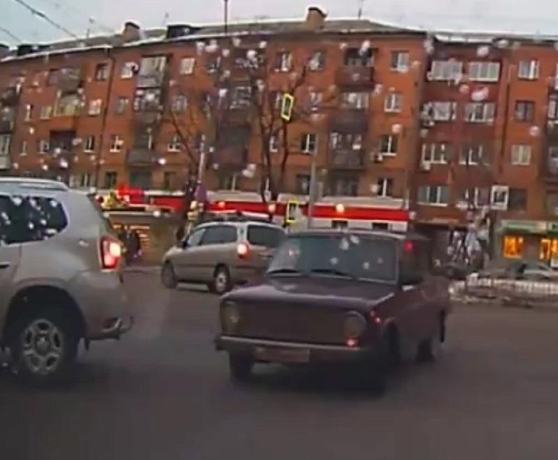 Эпичное по глупости ДТП сняли в Воронеже
