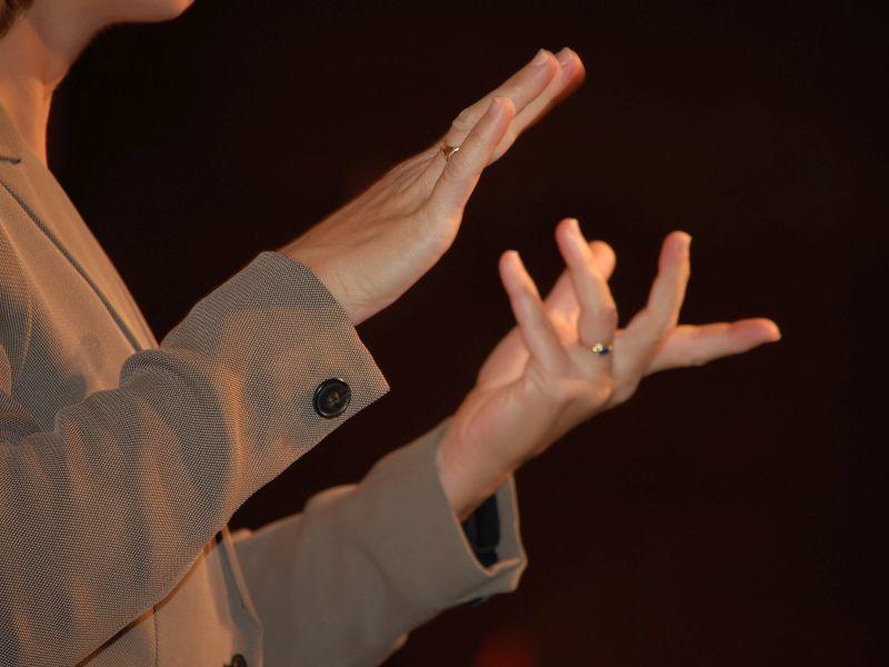 Песни Цоя на языке жестов исполнят в Воронеже