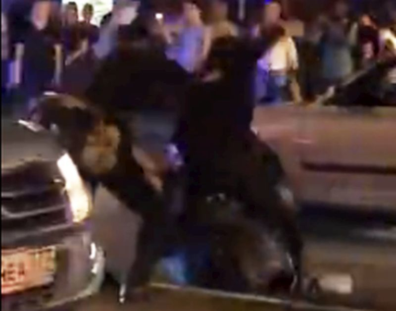 Полицейские открестились от зверского избиения фаната дубинами в центре Воронежа