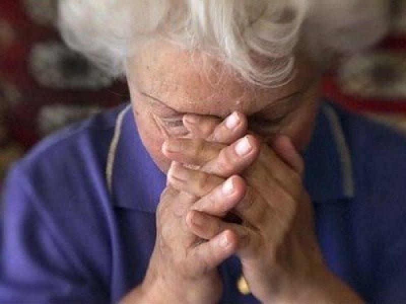 В Воронеже трое мужчин развели пенсионерку на 200 тысяч рублей