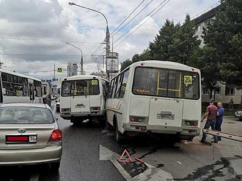 10 человек погибли в ДТП с маршрутками в Воронеже